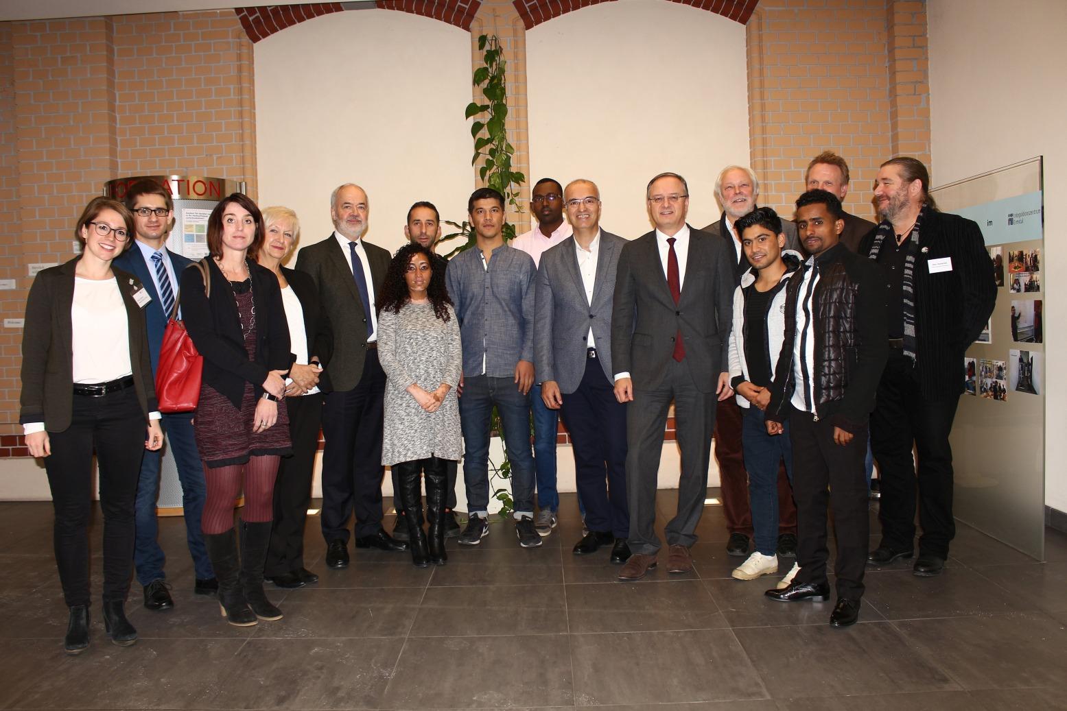Besuch von Andreas Stoch im Integrationszentrum Dettingen, Bild: Landkreis Reutlingen